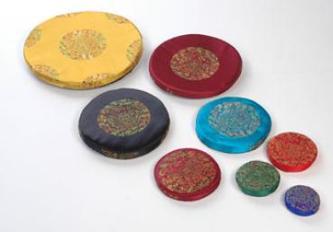 Klangschalenkissen aus Mandalastoff 9 cm